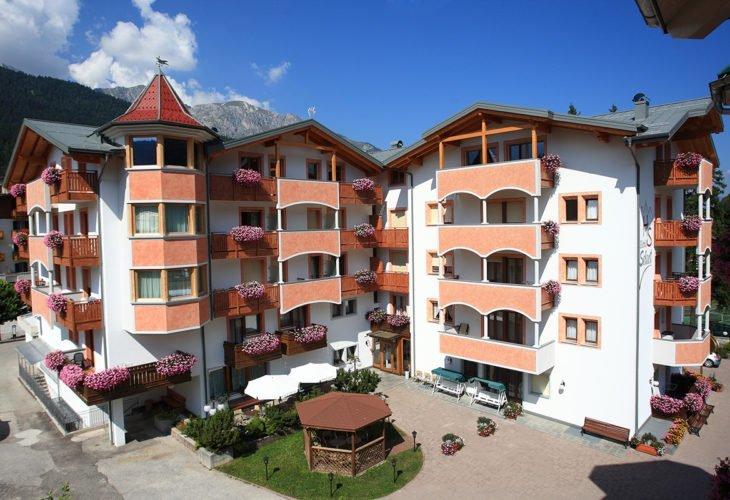 Esterna Hotel Select