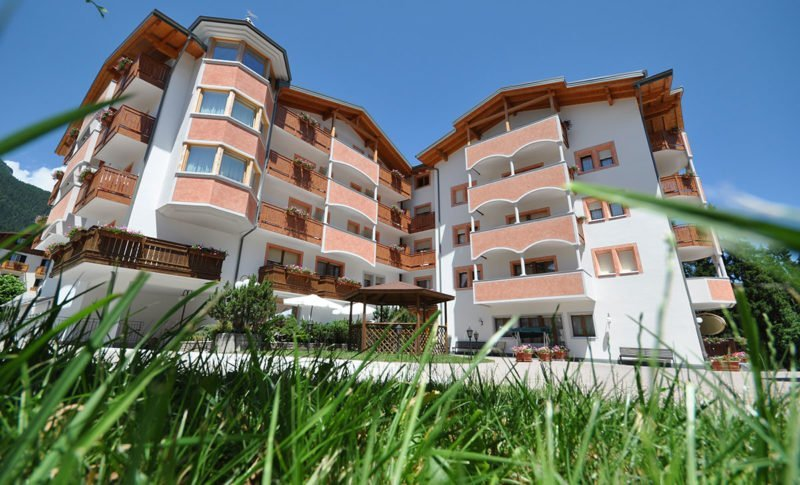 Esterna hotel select ad Andalo
